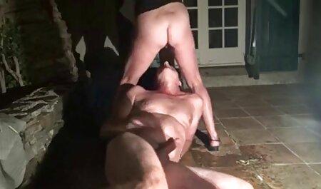 یک رقص سکسی اینیستا مرد می دهد یک شرکت یک شرکت و fucks در دختر دیگری در بیدمشک برای پول