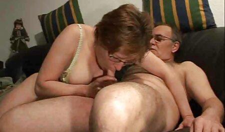 ها به طور فعال استراحت با یک زنیکه شهوانی سکس رقص