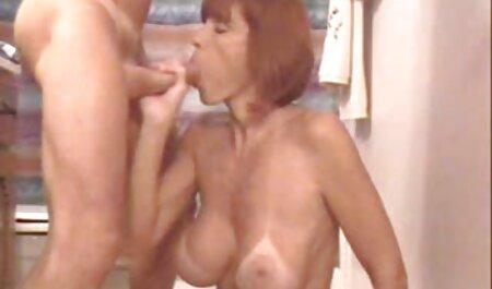 روسی, دانشجو, استمناء زیبا مهبل (واژن) در حمام دانلود رقص سکسی