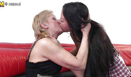 با موهای قرمز دختر دانلود کلیپ رقص سکسی با یک خانم بلوند