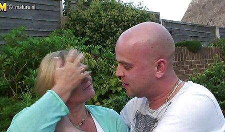 زیبا fucks در دختر سکسی در ماشین با دیک رقص و سکس بزرگ