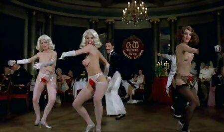 بیدمشک و الاغ جوجه با سکس با رقص نونوجوانان کوچک