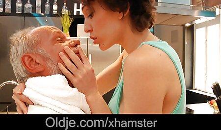 سکس در بیدمشک و تقدیر در کانال رقص سکسی دهان یک دختر زیبا دعوت